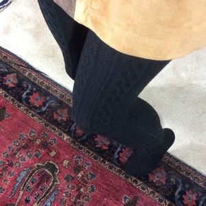 Hot Sox Accessories - Black Cable Knit Winter Tights